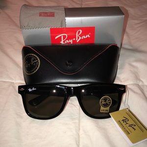 Ray Ban Wayfarer Sunglasses !